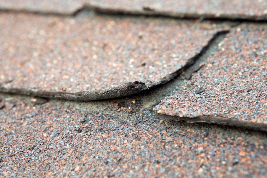 Cracked-Shingles_2000x1333